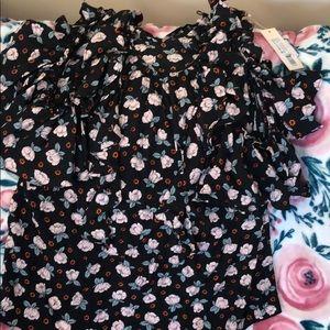 Open shoulder rose top